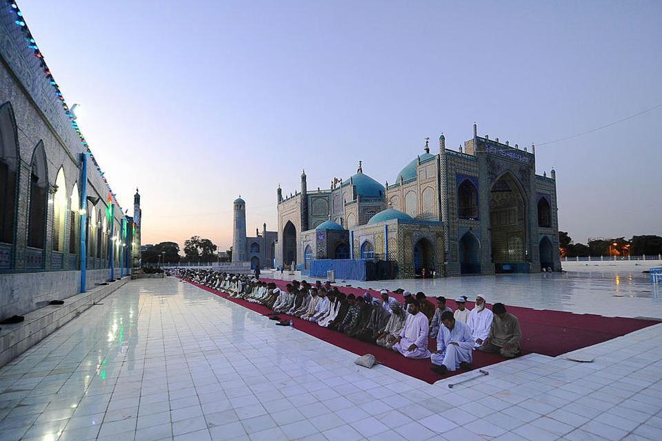 المسجد الأزرق في قلب مدينة