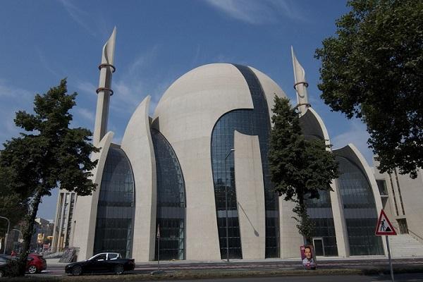 المسلمون فی ألمانیا بین الواقع والمأمول