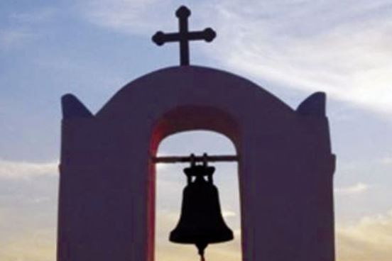 أجراس الكنائس تقرع في العراق بفضل المسلمين