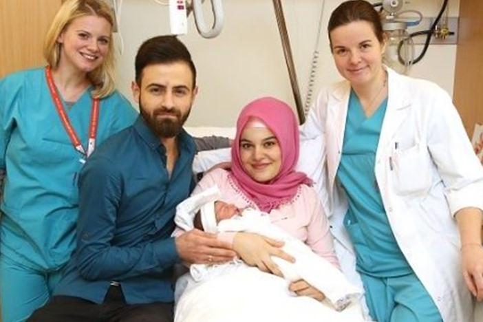 خلاف عنصري بسبب أول مولودة مسلمة في النمسا عام 2018