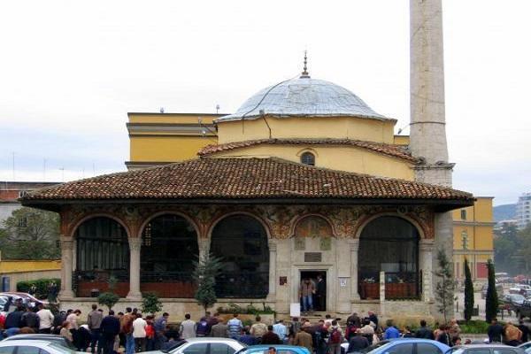أقدم المساجد في أوروبا.. تحف معمارية تأبي الزوال