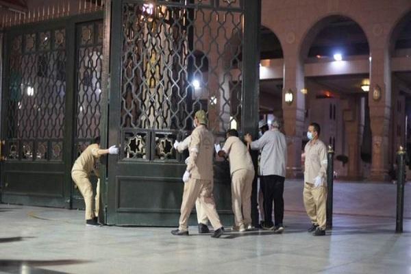 بالصور...إعادة فتح المسجد النبوی أمام المصلین