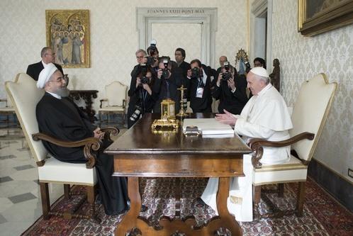 Iranian President Meets Pope in Vatican