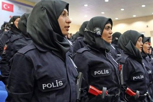 New Rule Allows Female Turkish Police to Wear Headscarf