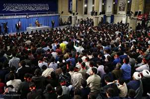 Students Meet with Leader in Tehran