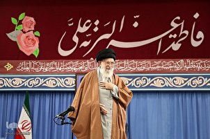 Eulogists Meet with Leader of Islamic Revolution