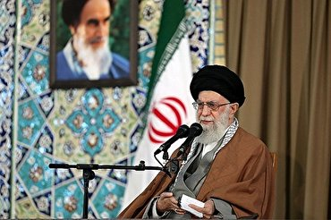 Iran to Defeat Enemy in Economic War: Leader