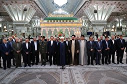 Iran's President, Cabinet Members Renew Allegiance to Imam Khomeini's Ideals