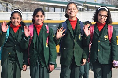 Schools Reopen in Kashmir after 7 Months