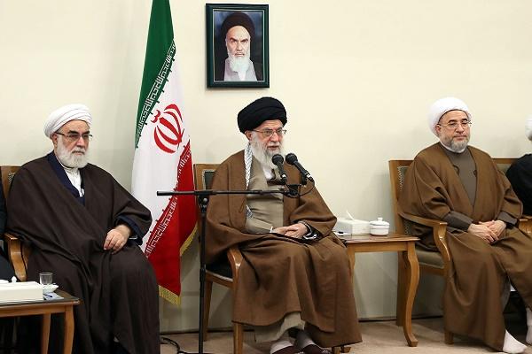 Imam Jamenei: La memoria de los mártires jamás muere