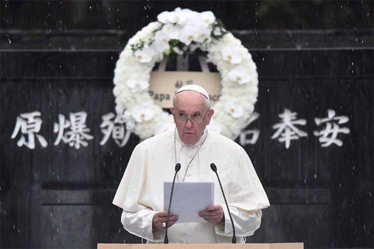 Papa Francisco urge al mundo desde Japón eliminar las armas atómicas