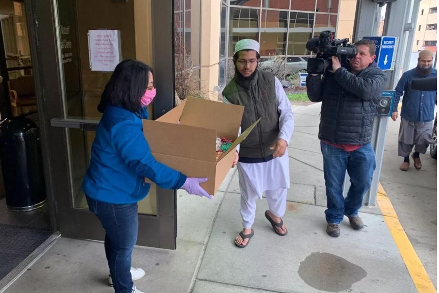 Los musulmanes estadounidenses predicen las máscaras como un signo de solidaridad nacional