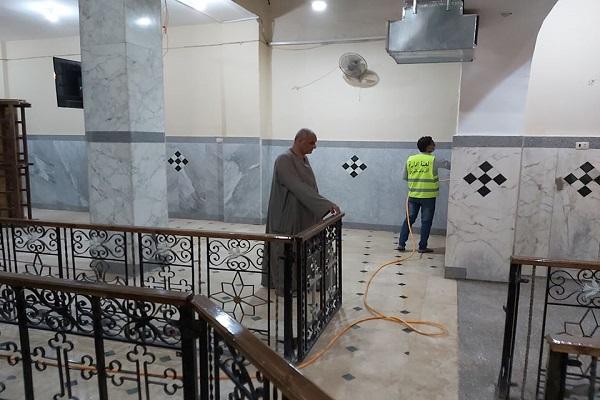Egipto: jóvenes musulmanes se unen a los cristianos para desinfectar una iglesia