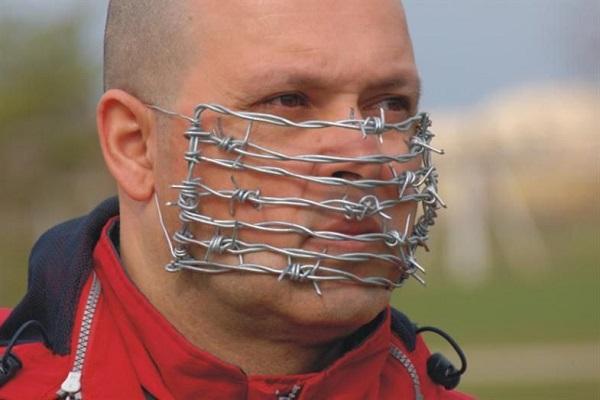 Canadá: artista palestino presenta «virus de la ocupación» al mundo