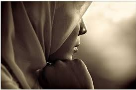 Francia: mujeres, negros y musulmanes se sienten discriminados en términos de salud pública