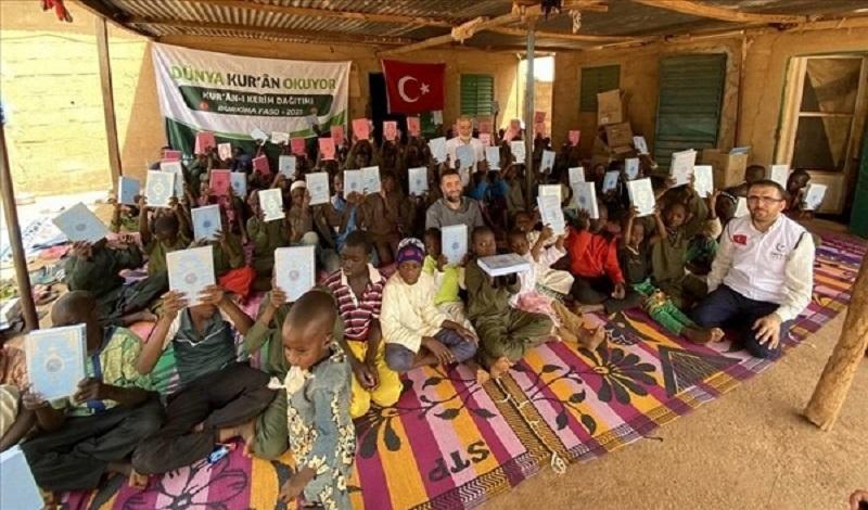 África, distribución de más de 700.000 copias del Sagrado Corán