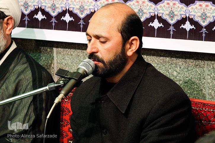 سوگواری دوستداران در شام غریبان حمیدرضا عباسی/ روضه پدر در مراسم ترحیم پسر