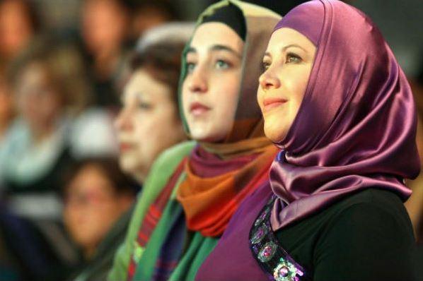 بانوان روسی از تشرف به اسلام میگویند
