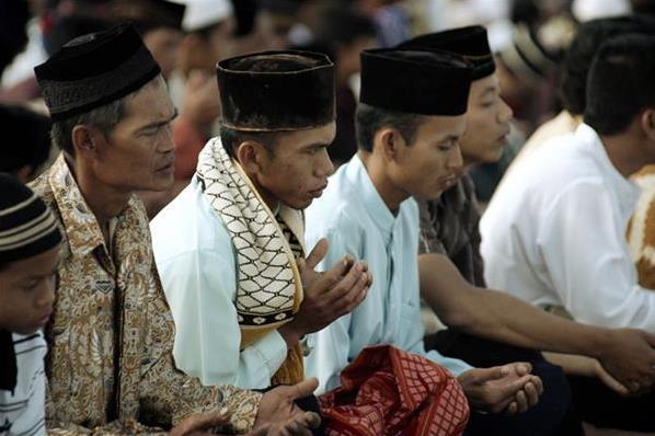 بورسیه؛ حربه وهابیت برای ترویج در اندونزی/ نمیخواهم زیر بلیط سعودیها باشم