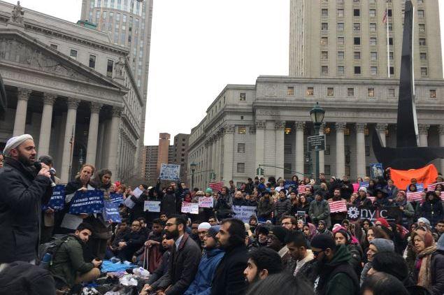 زنجیره انسانی مردم نیویورک در حمایت از مسلمانان