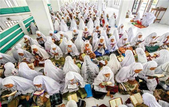 گزارشی از ماه رمضان در کشورهای اسلامی + عکس / در حال تکمیل