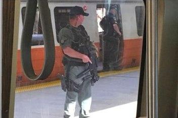 وحشت پلیس آمریکایی از اقامه نماز یک زوج