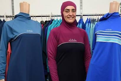 اعتراض انگلیسیها به ممنوعیت لباس شنای اسلامی