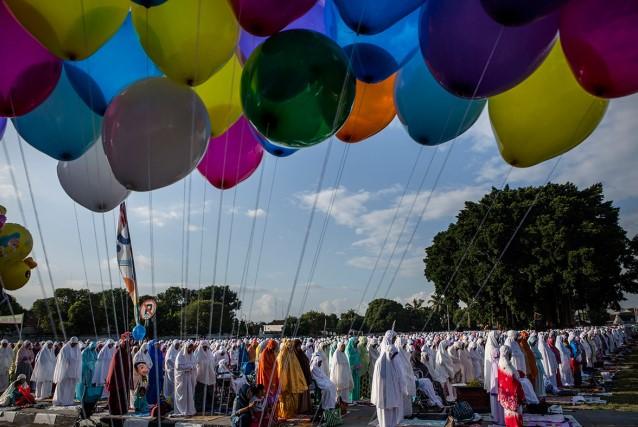 انگلیسی/ برگزاری جشن عید سعید قربان در سراسر جهان + عکس