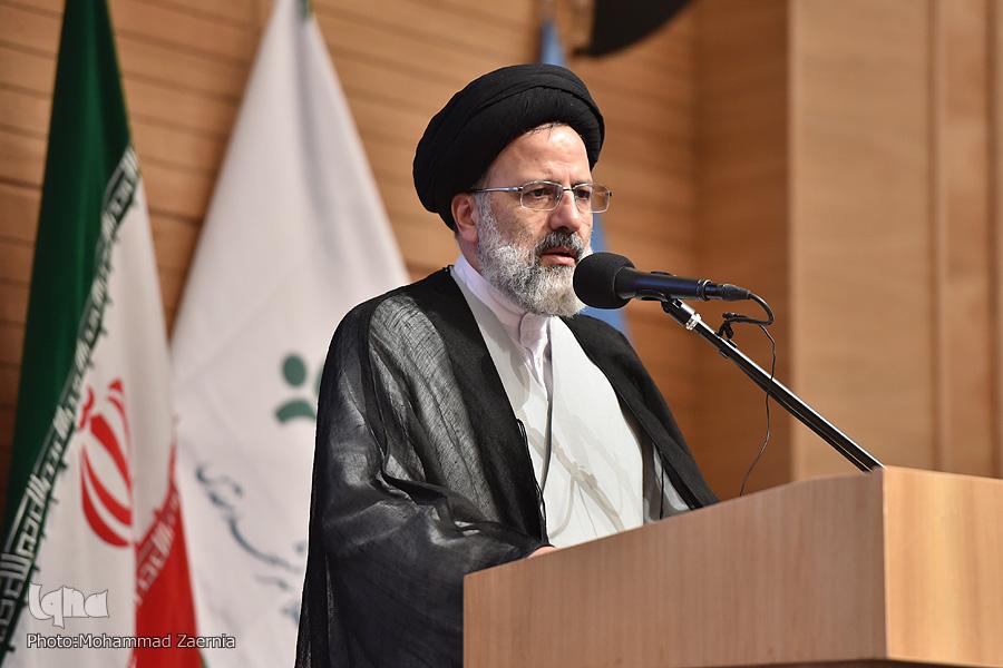 همایش ملی «آیت بصیرت» در مشهد برگزار شد/ رونمایی از کتاب «دوستدار خمینی(ره)»