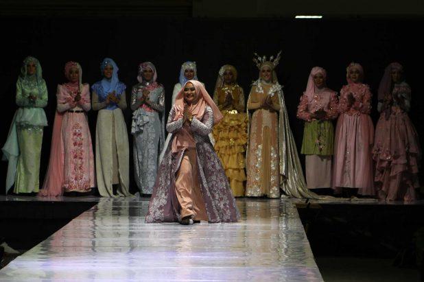 انگلیسی/ اولین نمایش مد و پوشاک اسلامی در توکیو برگزار میشود + عکس