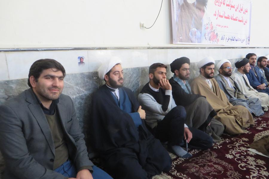 مراسم عمامهگذاری طلاب حوزه علمیه لرستان + عکس