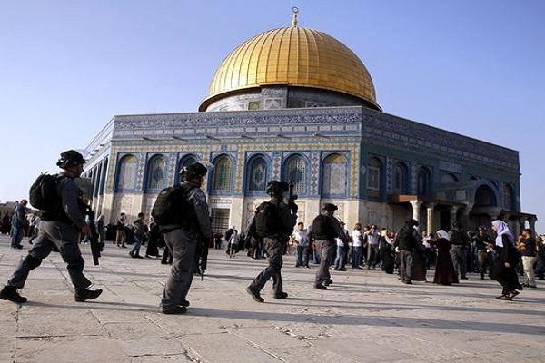 توسط نیروهای امنیتی رژیم صهیونیستی صورت گرفت ممنوعیت ورود پیرزن فلسطینی به مسجدالاقصی