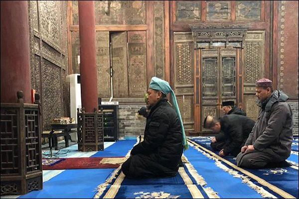 مسجد 700 با دیوارهایی منقش به آیات قرآن در چین + عکس /انگلیسی