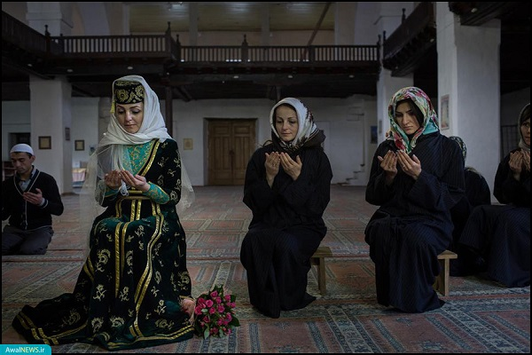 گزارش*** آزار و شکنجه، سهم تاتارهای مسلمان از الحاق کریمه به روسیه؛ از کوچ اجباری تا حبس/ آماده