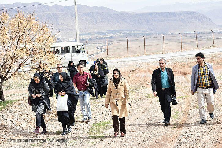 گزارش تصویری بازدید اصحاب رسانه لرستان از نهال ستان م آباد