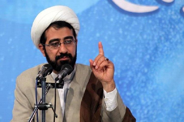 کشور بیماری کمتوجهی به مسجد دارد/ مساجد پاتوق فرهنگی دانشآموزان شود