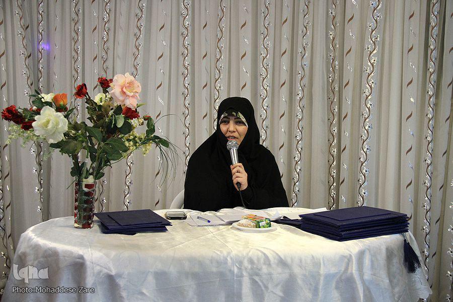 تجلیل از اساتید و بانوان فعال قرآنی در آ ین محفل قرآنی«ضحی»