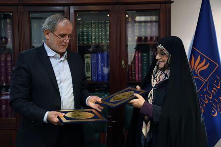 امضای تفاهمنامه همکاری میان کتابخانه ملی و پژوهشگاه علوم انسانی