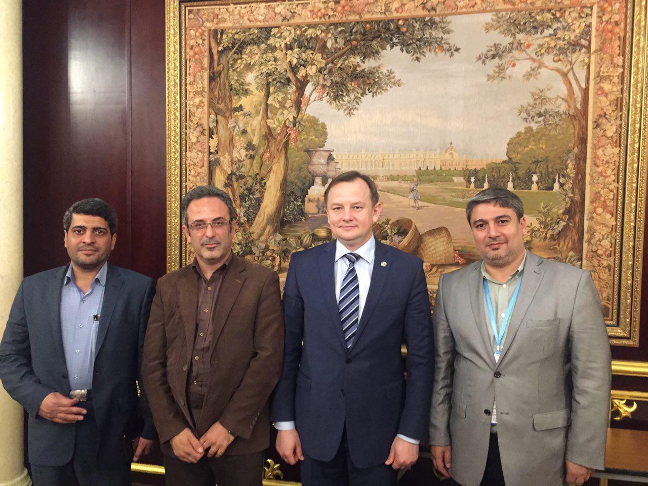 در دیدار هیئت اعزامی سازمان فعالیتهای قرآنی دانشگاهیان کشور با وزیر بهداشت تاتارستان عنوان شد: جهاد دانشگاهی؛ پل ارتباطی ایران و تاتارستان در حوزه درمانی و تجهیزات پزشکی