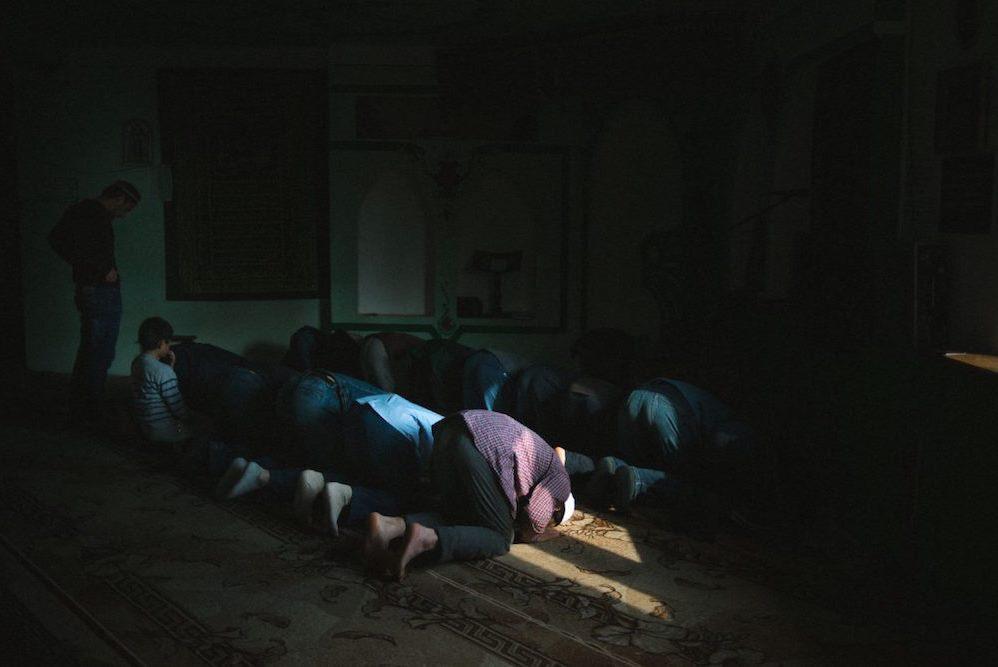 شنبه//مبلغ سوری و تدریس قرآن در سرزمین یخ/ از تجارت تا امامت مسجد + عکس