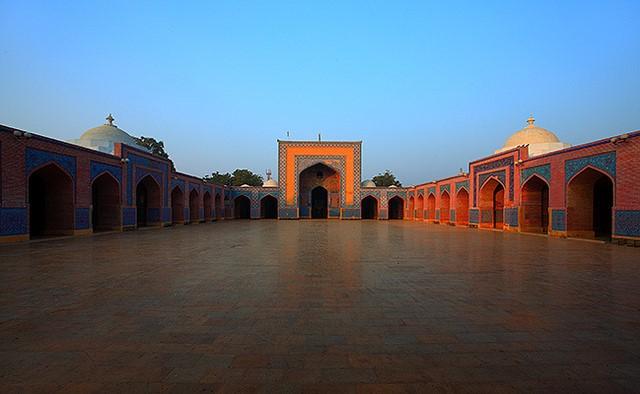 نگاهی به معماری مساجد در پاكستان/ از طراحی خیمهای شکل تا بزرگترین گنبد + عکس