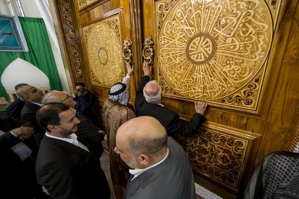 رونمایی از درب حرم فرزند امام هادی(ع) در کربلا/ عکس