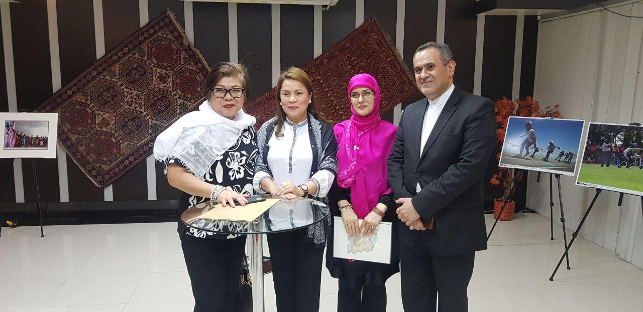 بزرگداشت مقام زن در فیلیپین/ بانوی مسیحی: حضرت فاطمه(س) الگوی زنان جهان است
