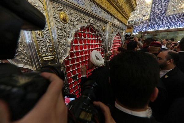 حضور روحانی در حرم امام علی(ع) به روایت تصویر