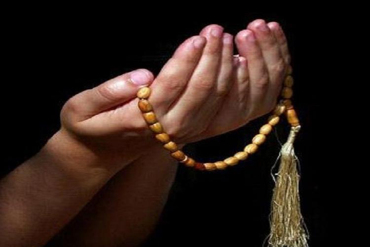 اشاره مستقیم ۹۰ آیه قرآن به نماز/19 هزار روایت درباره نماز داریم