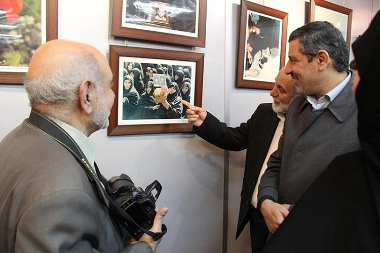 مرا بدون دوربینم نمیشناسند/ خاطره عکسبرداری از تصویر امام(ره) قبل از انقلاب