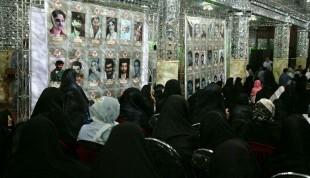 امامزاده صالح(ع) میزبان خانوادههای شهید و ایثارگر