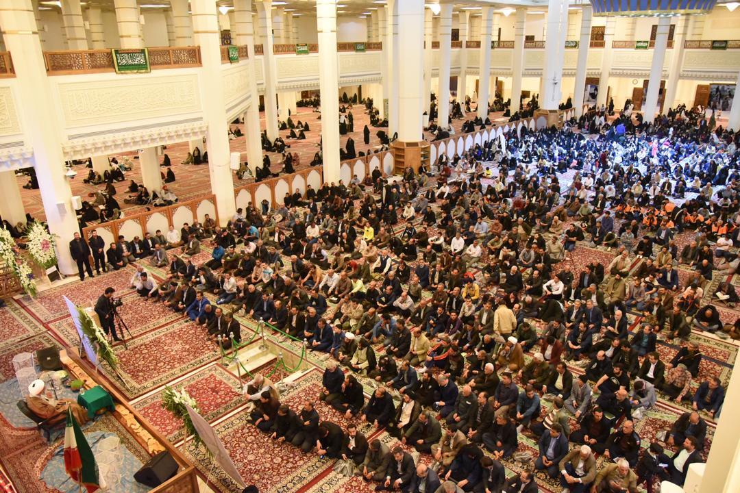 تکریم یاد جانباختگان سیل در شیراز/ راهکار برونرفت از مشکلات، تقویت اعتقادات است