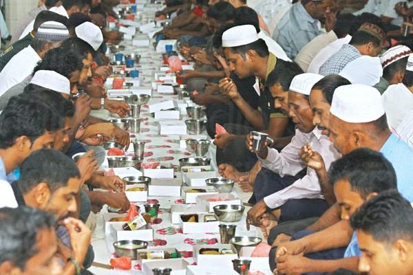رمضان در سریلانکا؛ ماه ختم انفرادی قرآن و اعتکاف در مساجد