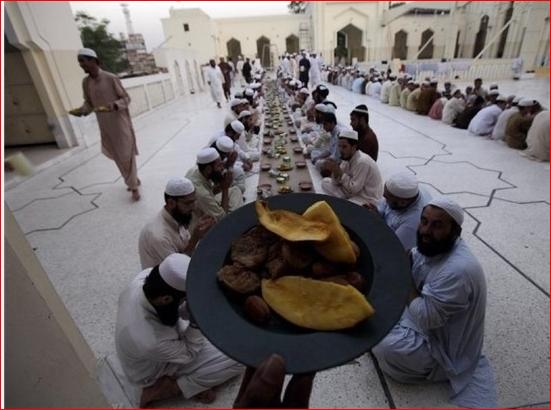 رمضان در پنجاب؛ ماه نمایش تلویزیونی اذان شیعه و سنی